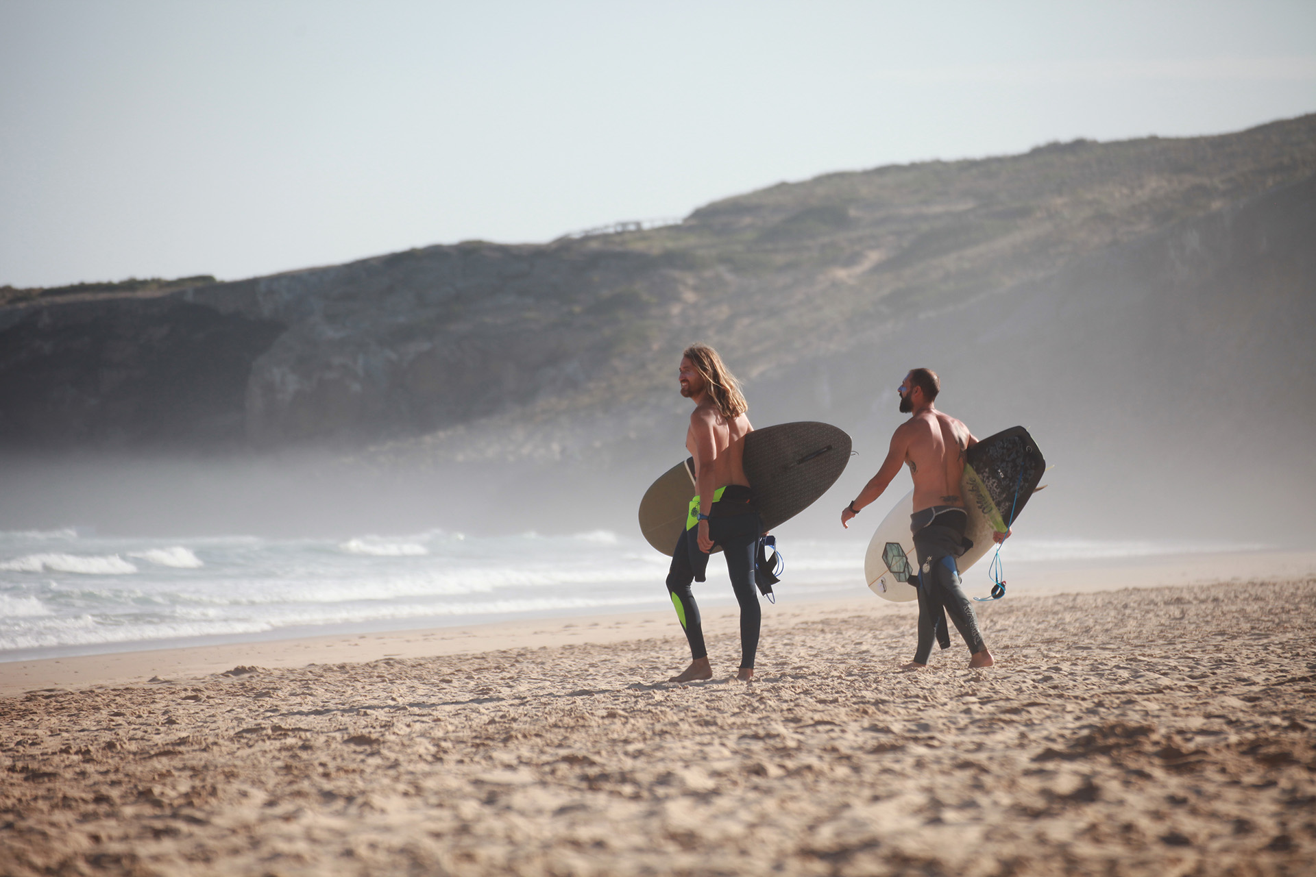 surfing in algarve